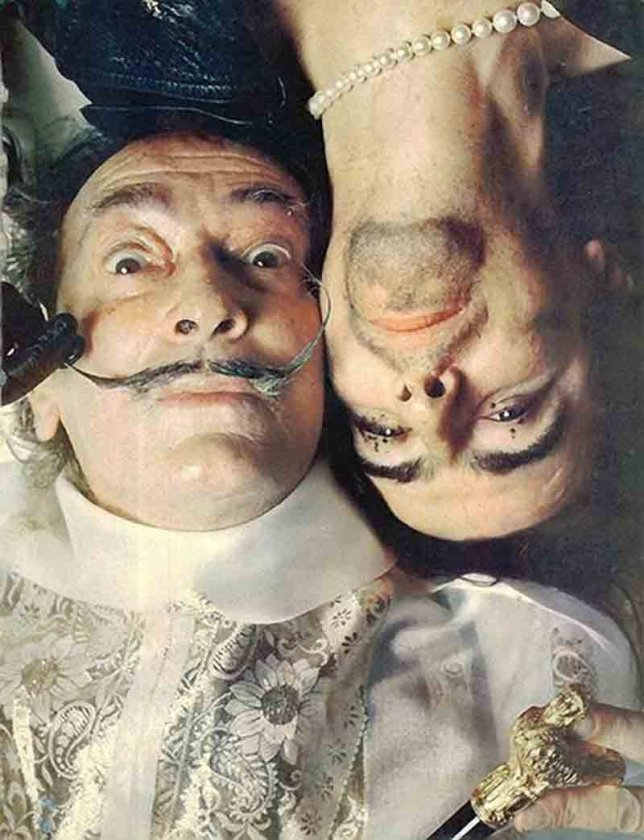 a biography of the life and times of salvador dali